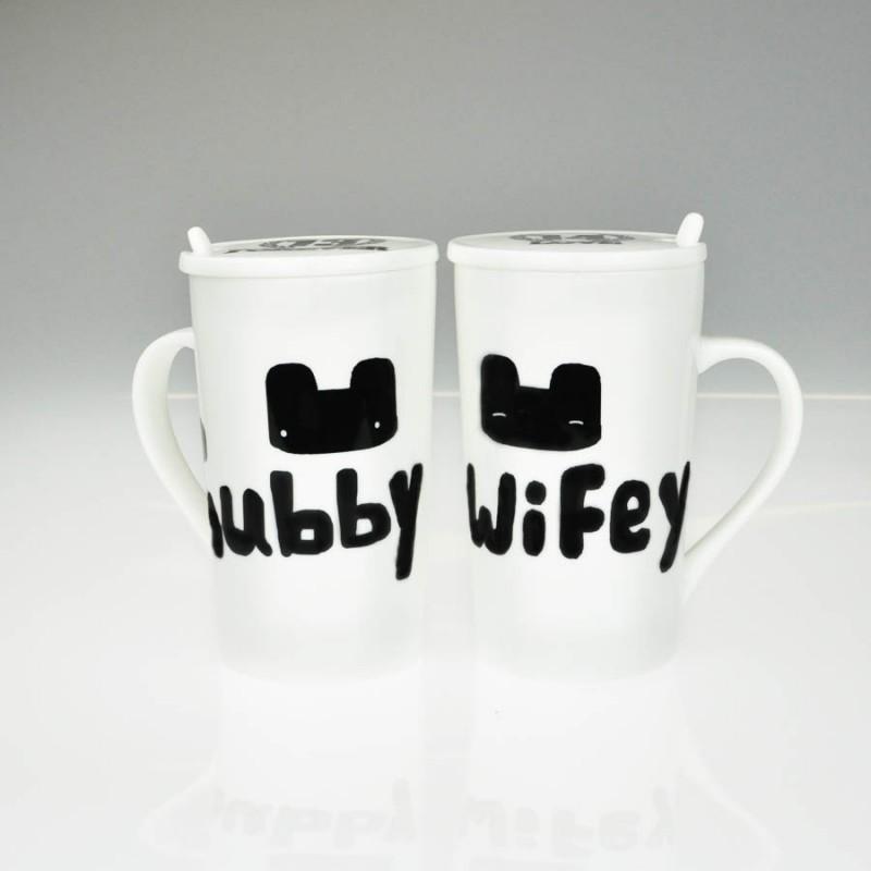 "Together ""Hubby & Wifey"" Set / 2 Mug with Lid and Spoon (MG246522)"